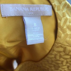 Tops - Banana Republic Sleeveless Structured Blouse Top